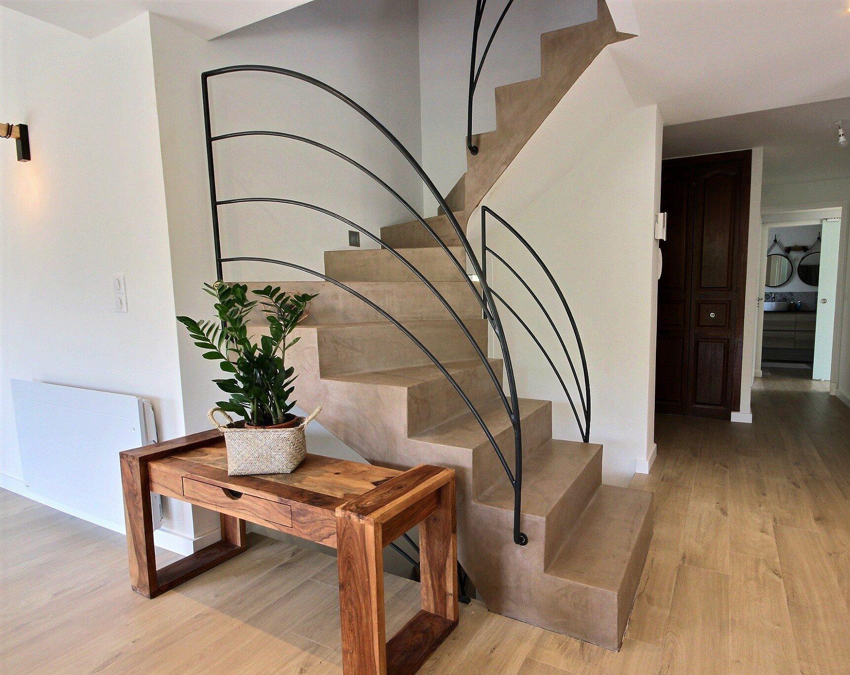 Rénovation escalier béton ciré Avéo Styles & Travaux